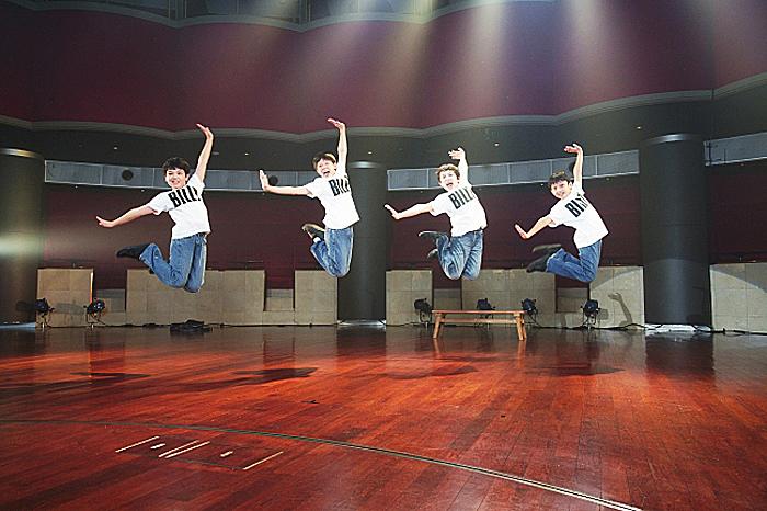 2020年上演キャスト ビリー役4人の少年(川口 調、利田太一、中村海琉、渡部出日寿) ©ホリプロ
