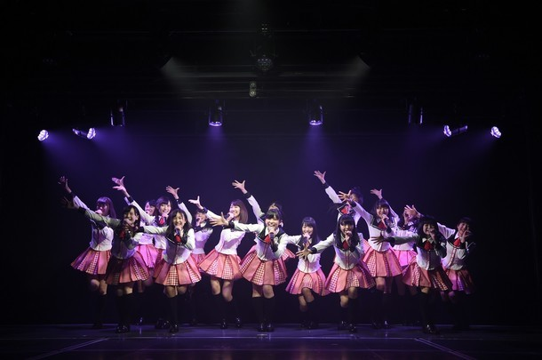新潟・NGT48劇場にて行われた初日公演「PARTYが始まるよ」の様子。(c)AKS