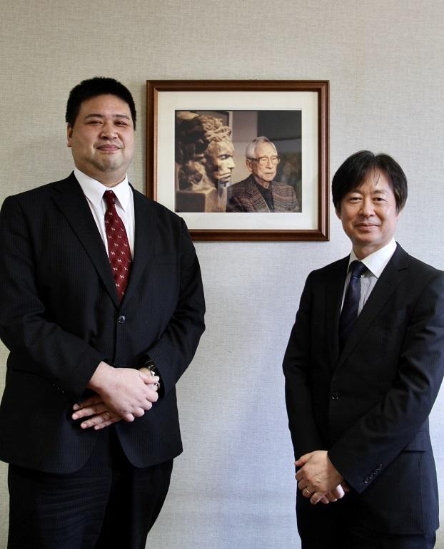 山口明洋課長(左)と福山修次長    (C)H.isojima
