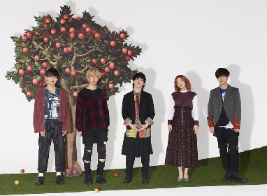 Mrs. GREEN APPLEが大阪梅田のHEP FIVEとコラボした企画『HEP FIVE×Mrs. GREEN APPLE CHRISTMAS WONDER ROOM』開催