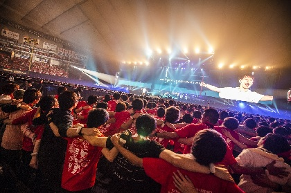 "UVERworld、東京ドームでの""男祭り""が映像作品化 全国劇場約60館にて上映も決定"