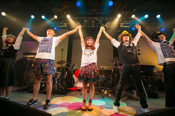 「トミタ栞 もしも WORLD TOUR 2015 in JAPAN」アンコールの様子。