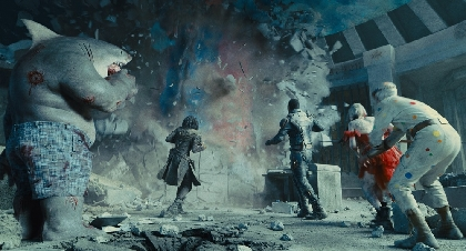 超巨大な「カイジュウ」が出現!それでもサメ人間の食欲は止まらない 映画『ザ・スーサイド・スクワッド』新場面写真6点を解禁