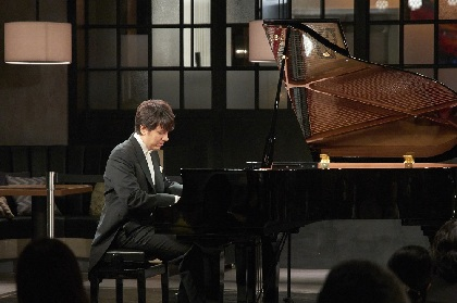 熱狂の歓呼に満ちたピアニスト金子三勇士の卓越した名曲の花束