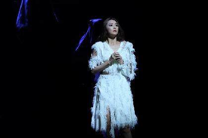 観月ありさ主演舞台『悪魔と天使』開幕! 亡き市原悦子に想いを寄せる「天から見守ってくれているはず」
