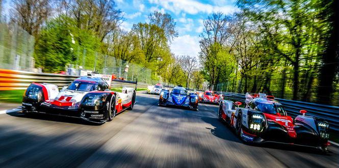 6時間、300キロオーバーで走り続ける世界耐久レースは最も面白いモータースポーツレースの一つだ。ポルシェvsトヨタの一騎打ちも見逃せない Copyright © 2012 - 2017 Fuji International Speedway Co.,Ltd.