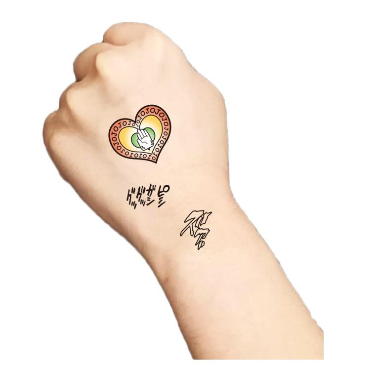タトゥー腕