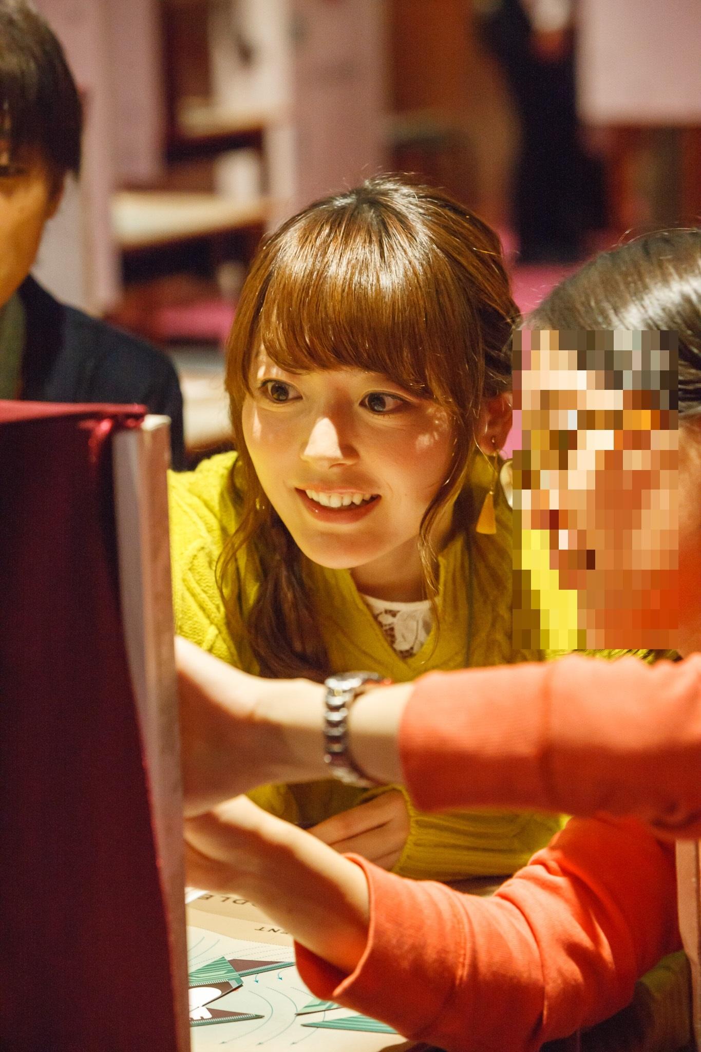 序盤の謎を協力しながら解く花澤香菜チーム