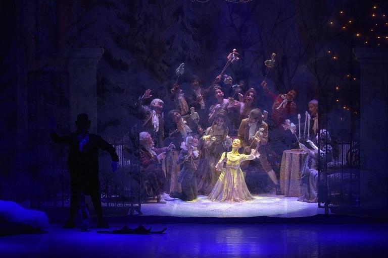 「くるみ割り人形」クララを演じる森下洋子(2019.11 フェスティバルホール)   (C)テス大阪