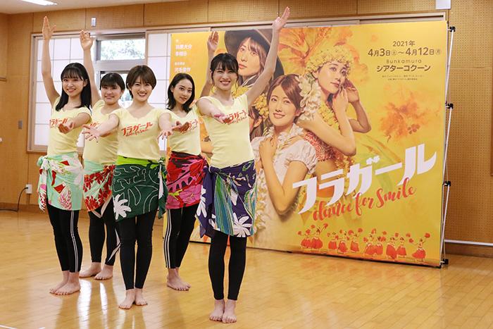 左から、山内瑞葵(AKB48)、隅田杏花(劇団4ドル50セント)、樋口日奈(乃木坂46)、安田愛里(ラストアイドル)、矢島舞美