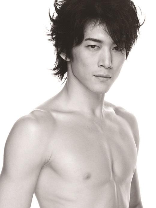 「フェスティバルホールで踊るのはとても楽しみ!」と語る、宮尾俊太郎