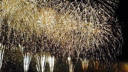 花火、レーザー、特殊効果と音楽が織り成す魅惑の花火ショー!『第67回勝毎花火大会』をレポート