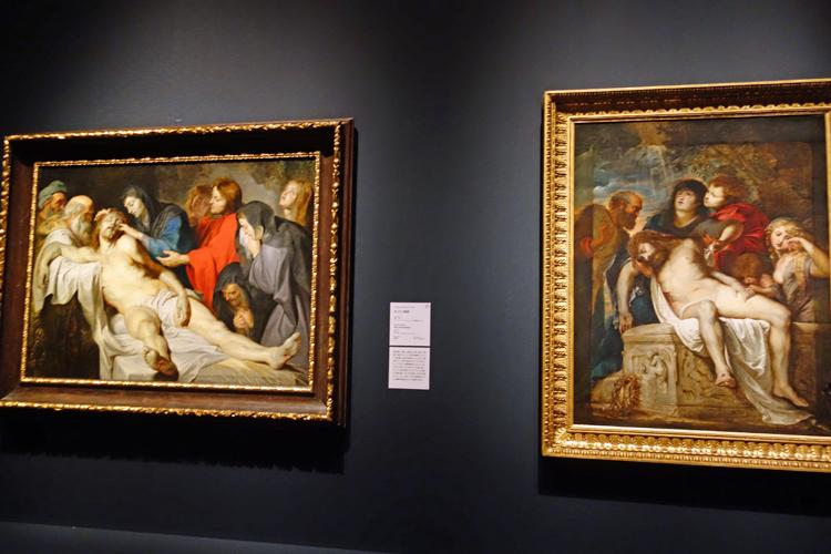 左よりぺーテル・パウル・ルーベンス《キリスト哀悼》ファドゥーツ/ウィーン。リヒテンシュタイン侯爵家コレクション/ぺーテル・パウル・ルーベンス《キリスト哀悼》ローマ、ボルゲーゼ美術館