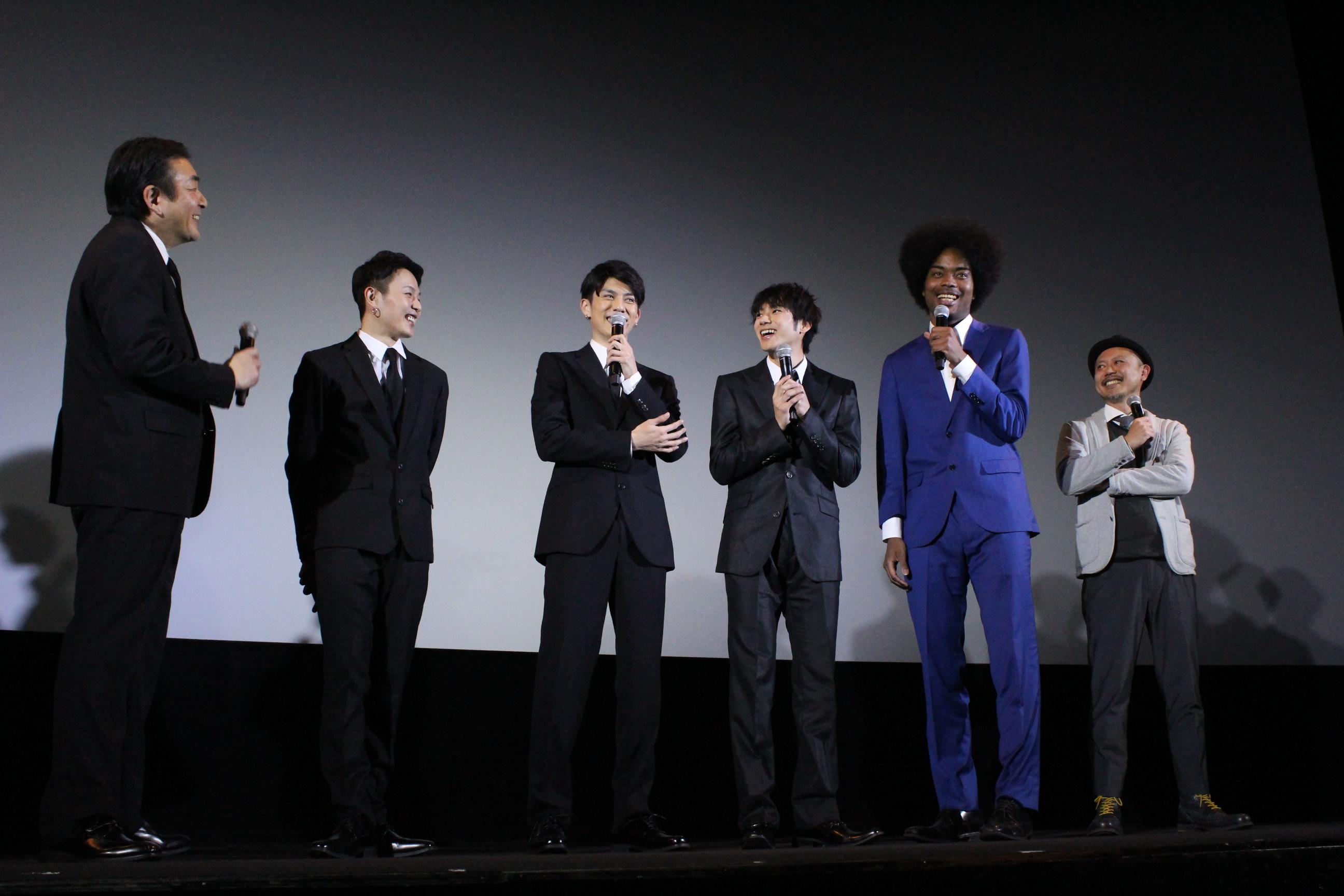 左から、菅原大吉、荒木宏文、青木玄徳、山田裕貴、副島淳、元木隆史監督