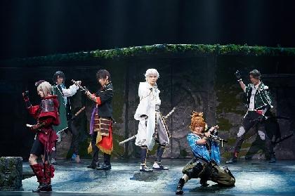ミュージカル『刀剣乱舞』 ~静かの海のパライソ~ が開幕 刀剣男士6振りが揃った舞台写真と出演者のコメントが到着
