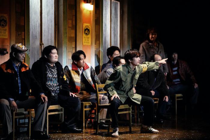 『ビリー・エリオット』舞台写真。中央:中河内雅貴(撮影:田中亜紀)