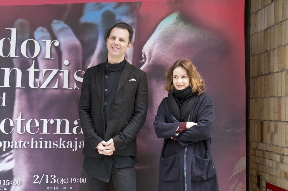 (左から)テオドール・クルレンツィス、パトリツィア・コパチンスカヤ