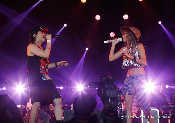 左からT.M.Revolution、倖田來未。(写真提供:EPICレコードジャパン)