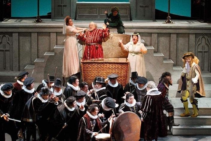 大阪音楽大学創立100周年記念オペラ公演 歌劇「ファルフスタッフ」 提供:大阪音楽大学
