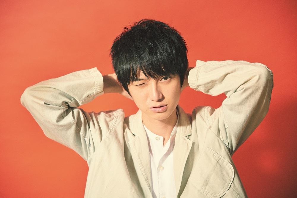 『本郷奏多カレンダー2019 -Color of Kanata-』収録カット 7月 (C)SDP