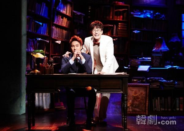 トーマス役チョ・ガンヒョン(左)とエルヴィン役キム・ジョング