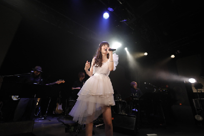 ChouCho、メジャーデビュー5周年の夏を美しい歌声と浴衣姿で彩る 『ChouCho 5th Anniversary あこーすてぃっくらいぶ ~涼蝶祭~』
