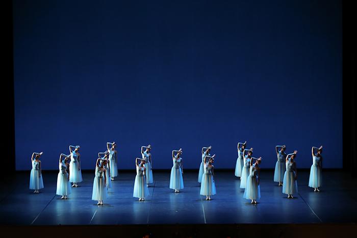 東京バレエ団『セレナーデ』 ©Kiyonori Hasegawa