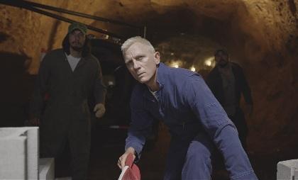 スティーヴン・ソダーバーグ監督、『ローガン・ラッキー』で6年振り来日へ 日本版予告でダニエル・クレイグの金髪爆弾魔ぶりを公開
