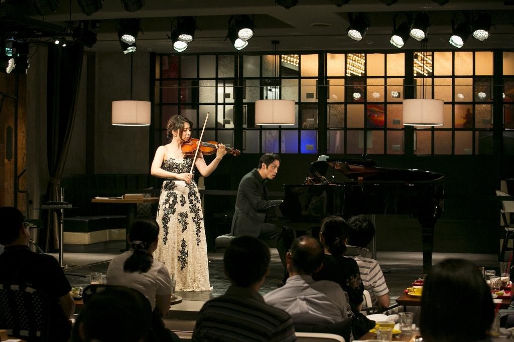 松田理奈(ヴァイオリン)、斎藤 龍(ピアノ)