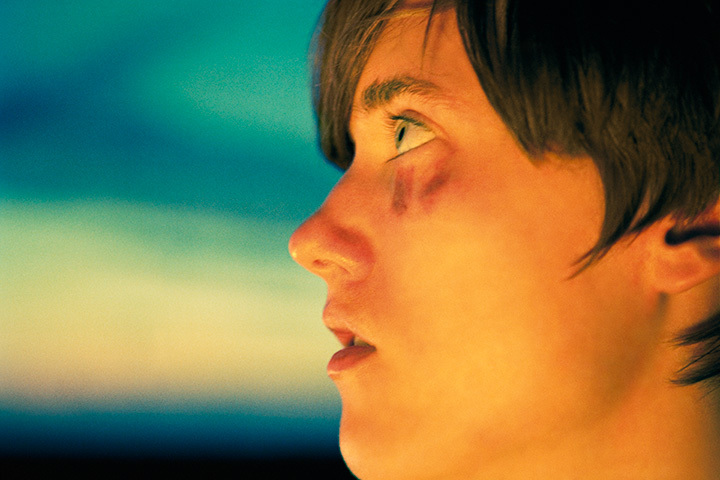 『Taylor (Black & Blue)』Cプリント 2012 ©Ryan McGinley Courtesy the artist and Tomio Koyama Gallery