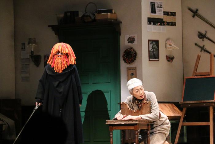 この怪しい姿は誰でしょう? 舞台『レティスとラベッジ』