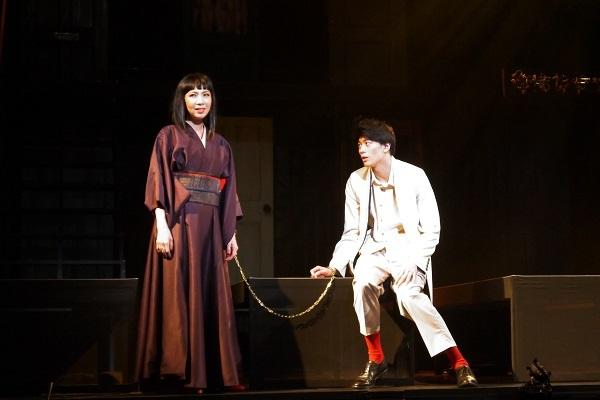「命売ります」舞台写真 撮影:久田絢子