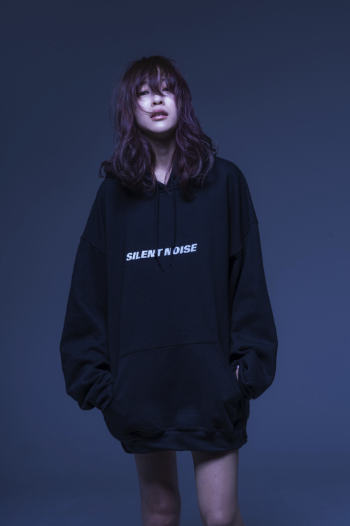 SILENT NOISE 限定パーカー