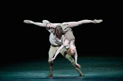 サラ・ラム&ムンタギロフの「沼地のパ・ド・ドゥ」は鳥肌もの!~英国ロイヤル・オペラ・ハウス シネマシーズン2017/18 ロイヤル・バレエ『マノン』開映