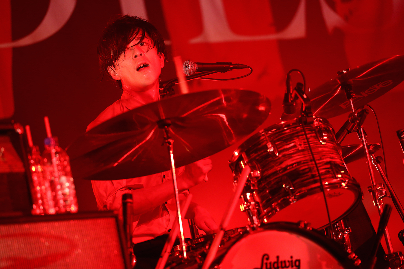THE BAWDIES・MARCY  Photo by 鈴木公平