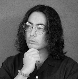 山田孝之、自ら朗読したCDが付いた詩集『心に憧れた頭の男』を自身の誕生日に発売