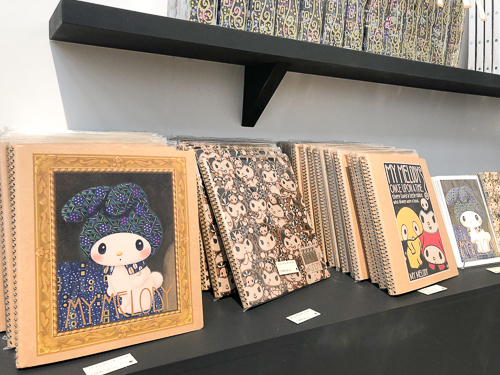 マイメロディが『エミーリエ・フレーゲの肖像』『キャバレー・フレーダーマウスのポスター』とコラボ!