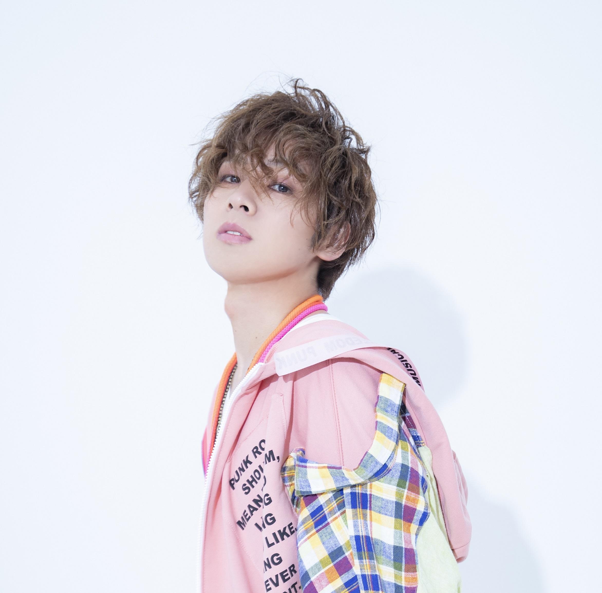 チャージマン研役:安達勇人 (C)2019 鈴川鉄久/ICHI/チャージマン研!CLIE