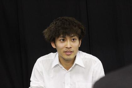 こまつ座『私はだれでしょう』で、平埜生成が謎の男役に挑戦