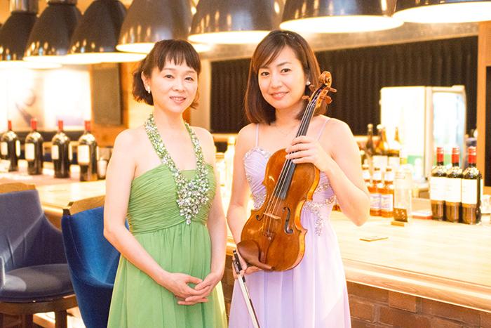 小柳美奈子(ピアノ)、奥村愛(ヴァイオリン) (撮影=原地達浩)