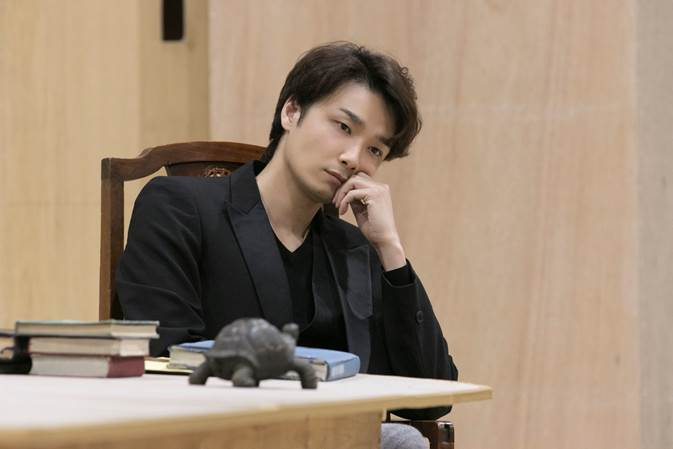『アルカディア』 井上芳雄 (撮影:加藤孝)