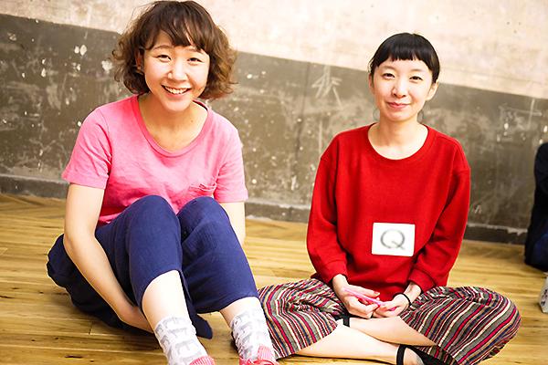銀座九劇アカデミアに参加していた、多田さん(左)とQ本さん。 (撮影:塚田史香)