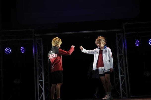 舞台「プリンス・オブ・ストライド THE LIVE STAGE」エピソード4より。 (c)2015 FiFS / (c)KADOKAWA CORPORATION 2015