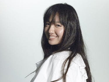湖池屋ポテトチップスCM出演のゴスペル女子高生、鈴木瑛美子がメジャーデビュー