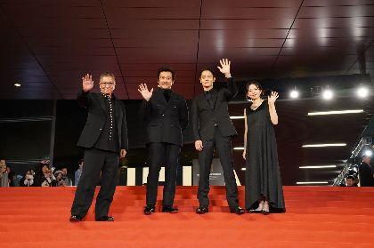 窪田正孝、内野聖陽、ベッキー、三池崇史監督らの海外映画祭での人気ぶりが明らかに 映画『初恋』特別映像を公開