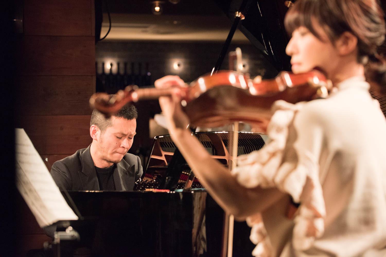 中野公揮(ピアノ)、松田理奈(ヴァイオリン)