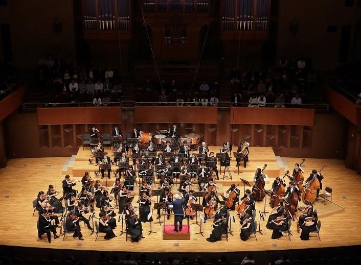 秋山和慶が指揮する日本センチュリー交響楽団にも期待が集まる! (C)s.yamamoto
