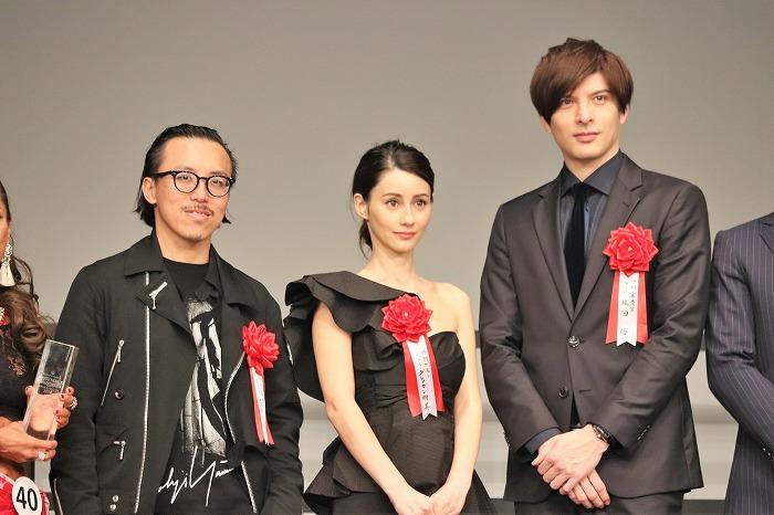 (左から)レスリー・キー、ダレノガレ明美、城田優