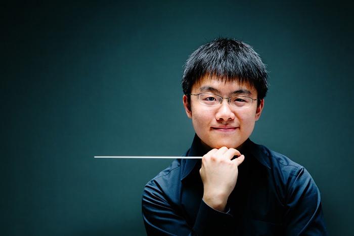 今年の大阪交響楽団「感動の第九」を指揮するのは、正指揮者 太田弦 (C)ai ueda