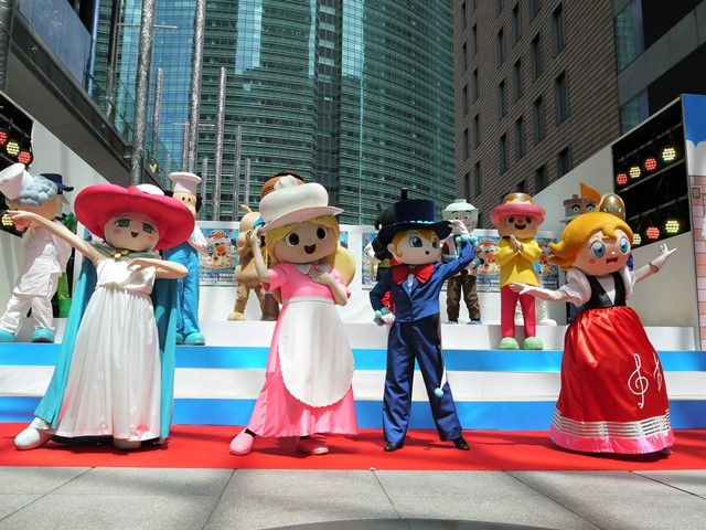 写真左から、フラワーひめ、ケーキちゃん、しらたまさん、ドレミひめ (C)やなせたかし/フレーベル館・TMS・NTV